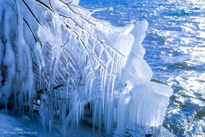 猪苗代湖しぶき氷