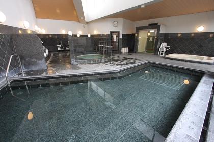 秋田県 温泉大浴場「楠の湯」
