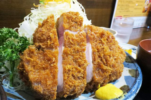 仙台の隠れた名店!ゴールデンポークが有名『とんかつ櫻屋』