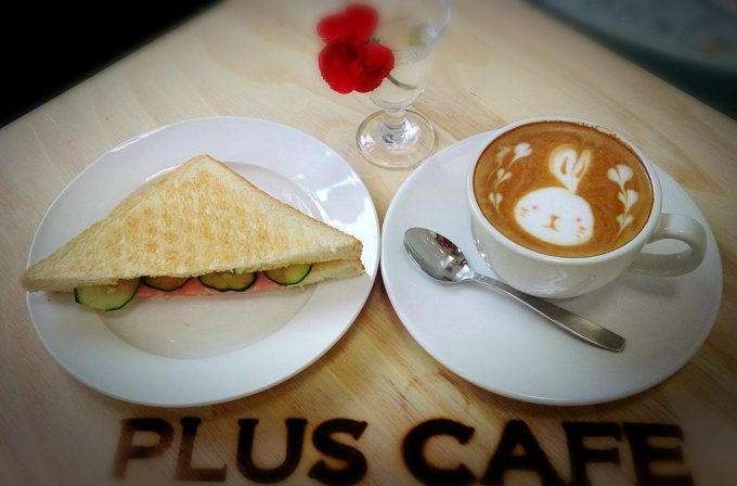 PLUS CAFE 大曲駅 モーニング