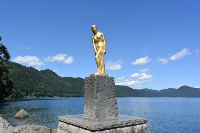 秋田県あるある 辰子像