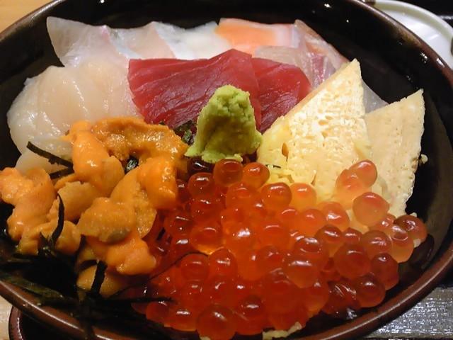 青森海鮮丼 海食亭むつわん