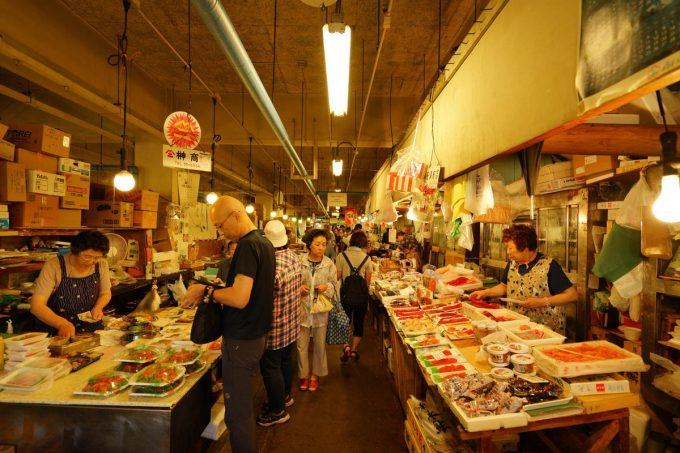 青森海鮮丼 八戸市営魚菜小売市場